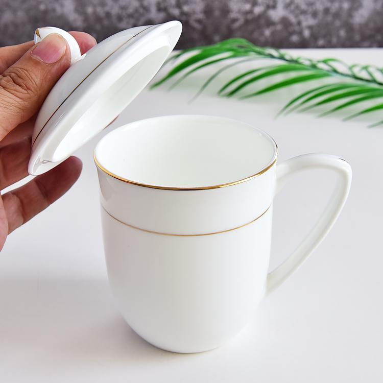 尖盖陶瓷杯
