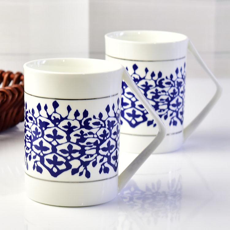 青花转角陶瓷杯